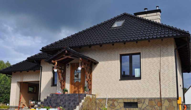 картинка дома облицованного белым кирпичом